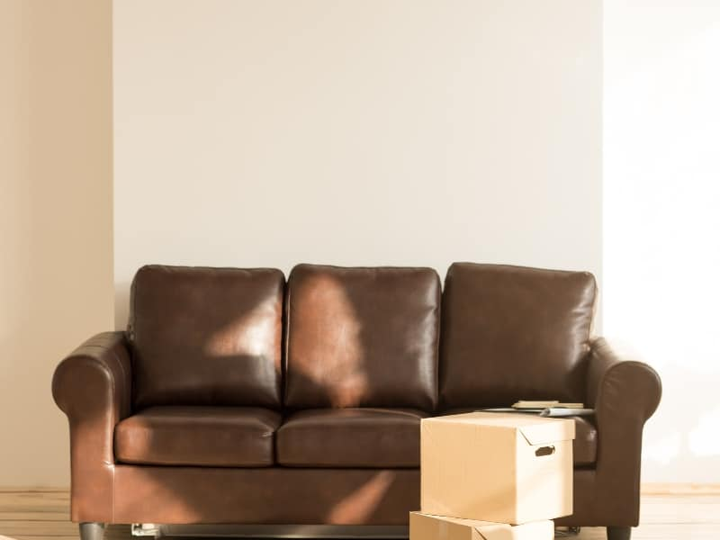 looking to declutter your home? Here are 12 categories of items that you can easily sell to make cash in on your clutter and simplify your living space. #homeorganization #waystomakemoney #waystomakemoneyathome #fastwaystomakemoney